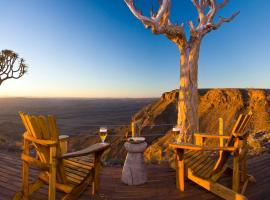Fish River Lodge, boutique hotel in Ariamab