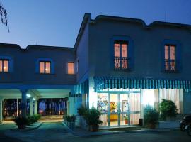 Hotel La Pineta, hotell i Tropea
