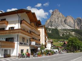 Hotel Italia, hotell i Corvara