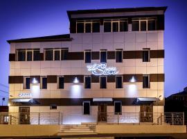 Отель Солнце, отель в Новороссийске