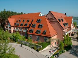 Strandhotel Seehof, hotel in Langlau