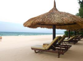 Cham Villas Resort, spa hotel in Mui Ne