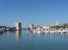 Calme et sérénité, accessible hotel in La Rochelle