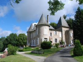 Château Le Mialaret、Neuvicのホテル