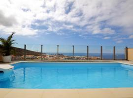 Guacimara Apartments, hotel in La Playa de Arguineguín