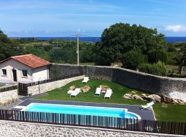 Hotel Villa Marrón, hotel near Bufones de Pria, Naves