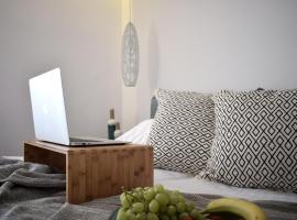 Meltemi by Manthos Hotels, ξενοδοχείο στη Σκιάθο Πόλη