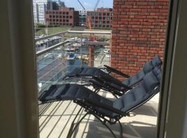 Appartement Hellingweg met balkon, hotel near Jachthaven Scheveningen, Scheveningen