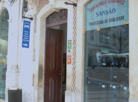 Santa Cruz, quarto em acomodação popular em Coimbra