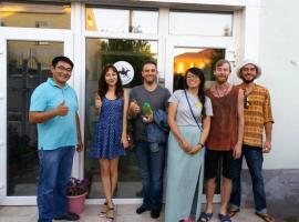 Hostel Nomad 4x4, hostel in Astana