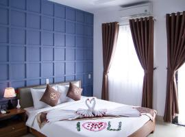 Poetic Hue Hotel & Spa, hotel with pools in Hue