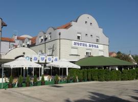 Hotel Duga, отель в Нови-Саде