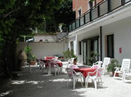 Hotel Marystella, отель в городе Кьянчано-Терме