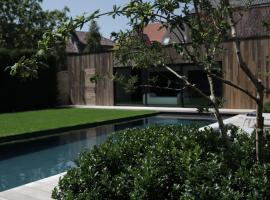 B&B For 2-Wellness For 2, spa hotel in Bruges