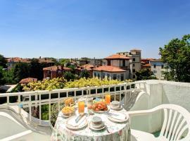 Hotel Biasutti, hotel en Lido de Venecia