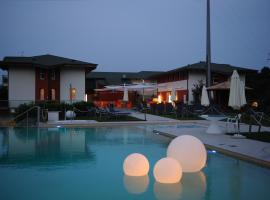 La Foresteria Canavese Golf & Country Club, hotel near Fortress of Bard, Torre Canavese