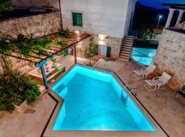 Eternity with pool, hotel in Donji Humac