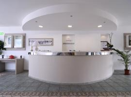 Hotel Ambrosio La Corte, отель в Ольбии
