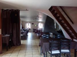 Auberge de Cadenas, hotel near Aven Armand Cave, Veyreau