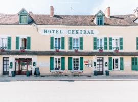 Hotel Le Central, hotel in Boussac