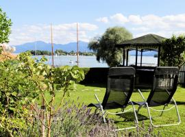 """ChiemseeStern Vacation & Recreation """"Adults Only"""", guest house in Gstadt am Chiemsee"""