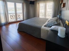 Hotel Areas III Playa, hotel in Viveiro