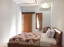 Meryta Guesthouse 1, Hotel am Strand in Canggu