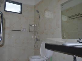 Opriss Hotel, hotel di Prapat