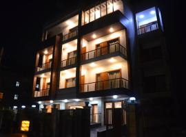 Platinum Palace, hotel near Medanta Hospital, Gurgaon
