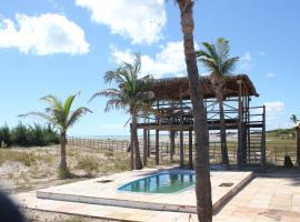 Casa de Praia Litoral Piauí, hotel with pools in Luis Correia