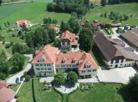 Hotel Dienstl Gut, Hotel in Launsdorf