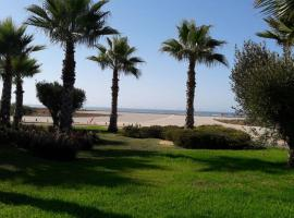 Appartement 9 - Bahia Golf Beach, hotel in Bouznika