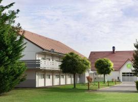 Campanile Villennes-Sur-Seine - Poissy, hotel near Saint-Germain Golf Course, Villennes-sur-Seine