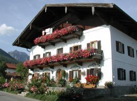 Biererhof, farm stay in Rottau