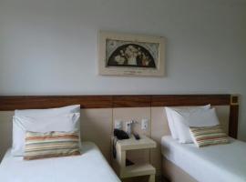 Pratti Hotel, hotel in Linhares