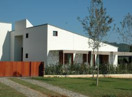 La Fustana, hotel a Maià de Montcal