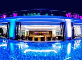 Royal Quang Binh Hotel, khách sạn ở Ðồng Hới