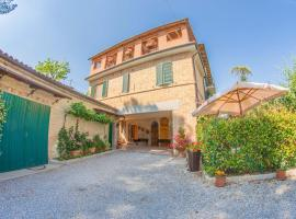 I Due Cipressi, country house in Torrenieri