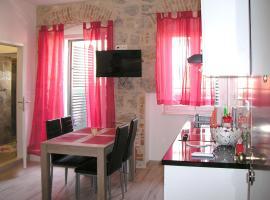 Apartmani KLARA i GRACIA, apartment in Split