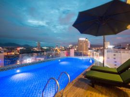 Central Hotel & Spa, hotel near Dragon Bridge, Danang