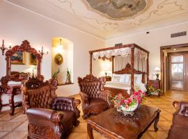 Iron Gate Hotel & Suites, hotel near Týn Cathedral, Prague
