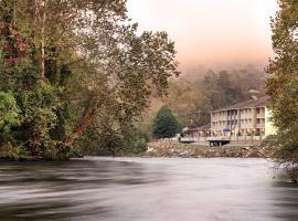 Best Western Plus River Escape Sylva / Dillsboro, hotel in Dillsboro