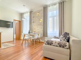 Apartment Zora & Natale, hotel in Pula