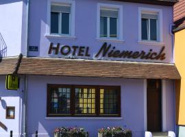 Hotel Restaurant Niemerich, hôtel à Pulversheim près de: Le Bioscope