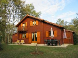 Chalet Souillac Golf & Country Club Deluxe II, hotel in Souillac