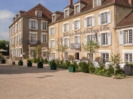 Hôtel Restaurant De La Poste & Du Lion D'or、ヴェズレーのホテル