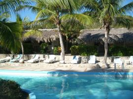 Hotel Playazul, отель в городе Санта-Крус-де-Бараона