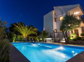 Villa LeANN, hotel in Okrug Donji