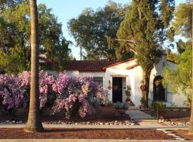 Sam Hughes Inn B&B, vacation rental in Tucson