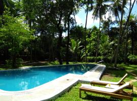 Botanique Goa, hotel with pools in Assagao